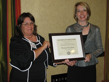 Alumni Society Chair Chair Carolyn Bogardus - Wendy Beecham with award